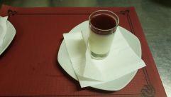 Mousse de Yogurth con sirope de fresa